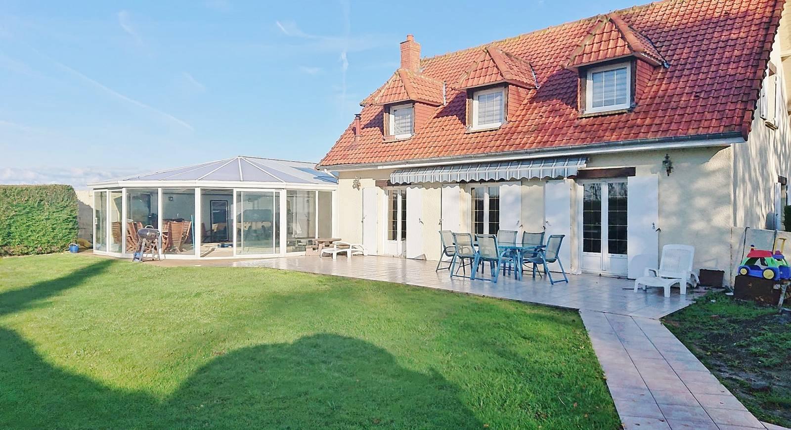 A Vendre Maison Contemporaine - 5 chambres Jardin et Piscine ...