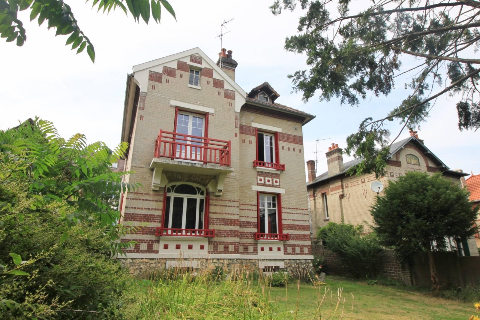 A Vendre Maison Bourgeoise De Type F5 Avec Jardin Et Garage Dieppe