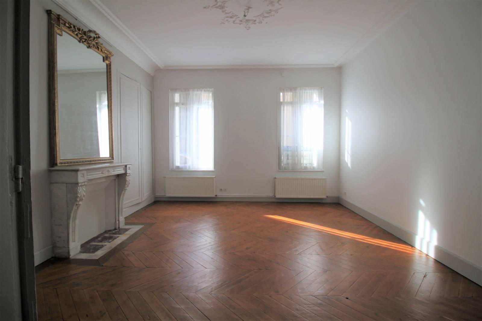 a louer appartement dieppe 76 rue de la r publique transaction immobili re sur dieppe et sa. Black Bedroom Furniture Sets. Home Design Ideas